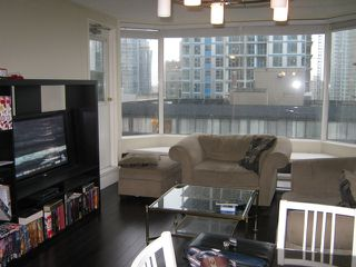 Photo 2: 801 1330 Hornby Street in Vancouver: Downtown VW Condo for sale (Vancouver West)  : MLS®# V999940