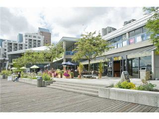 Photo 16: # 401 428 AGNES ST in New Westminster: Downtown NW Condo for sale : MLS®# V1053577