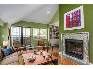 Photo 3: 202 1512 Yew Street in Vancouver: Kitsilano Condo for sale (Vancouver West)  : MLS®# V1092333