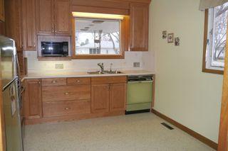 Photo 3: 1446 Mars Drive in Winnipeg: Fort Garry Single Family Detached for sale (South Winnipeg)  : MLS®# 1506351