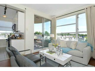 Photo 3: 613 2655 CRANBERRY DRIVE in Vancouver: Kitsilano Condo for sale (Vancouver West)  : MLS®# V1140165