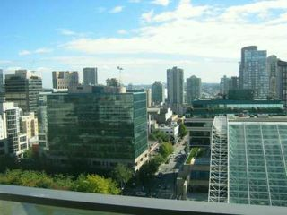 "Photo 9: 938 SMITHE Street in Vancouver: Downtown VW Condo for sale in ""ELECTRIC AVENUE"" (Vancouver West)  : MLS®# V620546"