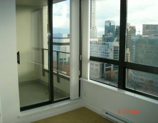"Photo 7: 938 SMITHE Street in Vancouver: Downtown VW Condo for sale in ""ELECTRIC AVENUE"" (Vancouver West)  : MLS®# V620546"