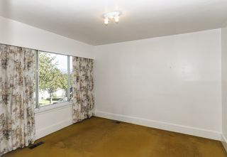 Photo 4: 2504 E 28TH AVENUE in Vancouver: Collingwood VE House for sale (Vancouver East)  : MLS®# R2111921