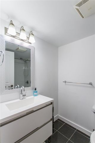 "Photo 10: 105 428 AGNES Street in New Westminster: Downtown NW Condo for sale in ""SHANLEY MANOR"" : MLS®# R2408805"