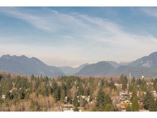 """Photo 12: 2006 520 COMO LAKE Avenue in Coquitlam: Coquitlam West Condo for sale in """"The Crown"""" : MLS®# R2421657"""