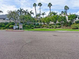 Photo 23: LA COSTA House for sale : 4 bedrooms : 6736 Paseo Del Vista in Carlsbad