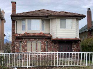 Photo 1: 2989 GRAVELEY Street in Vancouver: Renfrew VE House for sale (Vancouver East)  : MLS®# R2435602