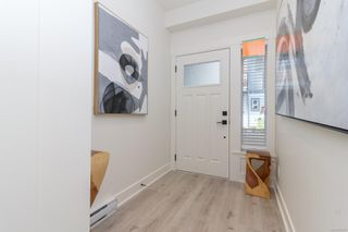 Photo 2: 1196 Moonstone Loop in : La Bear Mountain Row/Townhouse for sale (Langford)  : MLS®# 852357