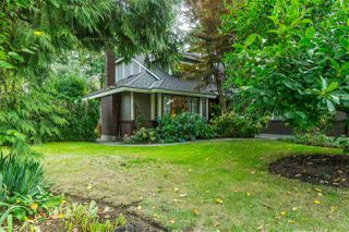 """Photo 3: 1996 AMBLE GREENE Drive in Surrey: Crescent Bch Ocean Pk. House for sale in """"Amble Greene"""" (South Surrey White Rock)  : MLS®# R2504700"""