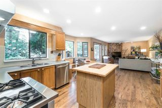 """Photo 11: 1996 AMBLE GREENE Drive in Surrey: Crescent Bch Ocean Pk. House for sale in """"Amble Greene"""" (South Surrey White Rock)  : MLS®# R2504700"""
