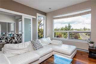 Photo 2: 303 1008 Tillicum Rd in : Es Kinsmen Park Condo for sale (Esquimalt)  : MLS®# 858591