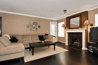 Photo 2: 203 15272 20 Avenue in Windsor Court: Home for sale : MLS®# F1010971