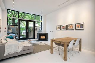 "Main Photo: 6 2156 W 12TH Avenue in Vancouver: Kitsilano Condo for sale in ""THE METRO"" (Vancouver West)  : MLS®# R2525896"