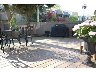 "Photo 1: 110 1425 CYPRESS Street in Vancouver: Kitsilano Condo for sale in ""CYPRESS WEST"" (Vancouver West)  : MLS®# V945247"