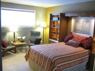 Photo 9: Magnificent 4 Bedroom Bungalow