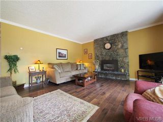 Photo 3: 1536 Winchester Rd in VICTORIA: SE Gordon Head House for sale (Saanich East)  : MLS®# 615423