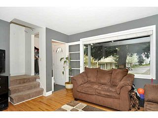 Photo 13: 553 REGAL Park NE in CALGARY: Renfrew Regal Terrace Townhouse for sale (Calgary)  : MLS®# C3570171