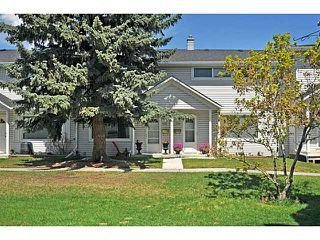 Photo 1: 553 REGAL Park NE in CALGARY: Renfrew Regal Terrace Townhouse for sale (Calgary)  : MLS®# C3570171