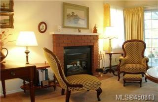 Photo 2:  in VICTORIA: SE Cedar Hill Row/Townhouse for sale (Saanich East)  : MLS®# 450813