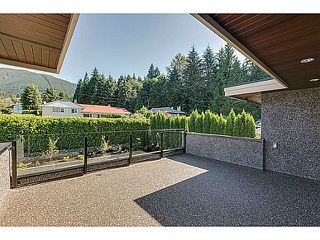 Photo 20: 574 SILVERDALE PL in North Vancouver: Upper Delbrook House for sale : MLS®# V1104305