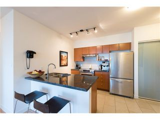 Photo 6: # 309 2520 MANITOBA ST in Vancouver: Mount Pleasant VW Condo for sale (Vancouver West)  : MLS®# V1128345