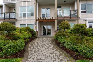 Photo 2: 104 938 Dunford Ave in VICTORIA: La Langford Proper Condo Apartment for sale (Langford)  : MLS®# 785725