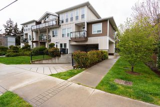Photo 1: 104 938 Dunford Ave in VICTORIA: La Langford Proper Condo Apartment for sale (Langford)  : MLS®# 785725