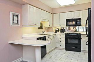 Photo 10: 221 Robinson St #307 in : 1013 - OO Old Oakville CND for sale (Oakville)  : MLS®# OM2086003