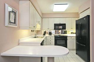 Photo 11: 221 Robinson St #307 in : 1013 - OO Old Oakville CND for sale (Oakville)  : MLS®# OM2086003