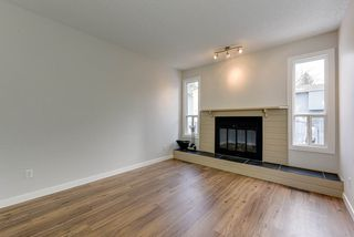 Photo 2: 12 4403 RIVERBEND Road in Edmonton: Zone 14 Townhouse for sale : MLS®# E4180793