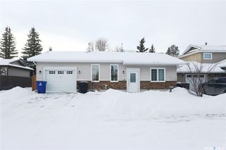 Photo 1: 299 Christopher Crescent in Saskatoon: Lakeview SA Residential for sale : MLS®# SK797298