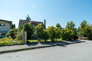 Photo 6: 698 QUADLING Avenue in Coquitlam: Coquitlam West House for sale : MLS®# R2456352
