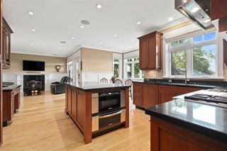 "Photo 19: 729 E 9TH Street in North Vancouver: Boulevard House for sale in ""Boulevard"" : MLS®# R2504707"