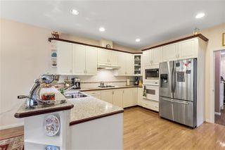 "Photo 8: 5822 122 Street in Surrey: Panorama Ridge Townhouse for sale in ""LakeBridge"" : MLS®# R2523031"