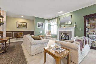 "Photo 2: 5822 122 Street in Surrey: Panorama Ridge Townhouse for sale in ""LakeBridge"" : MLS®# R2523031"