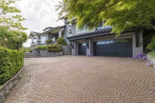 """Photo 3: 2603 FOLKESTONE Way in West Vancouver: Whitby Estates House for sale in """"Whitby Estates"""" : MLS®# R2527988"""