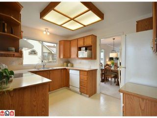 Photo 6: 40 9271 122ND Street in Surrey: Queen Mary Park Surrey Condo for sale : MLS®# F1223203