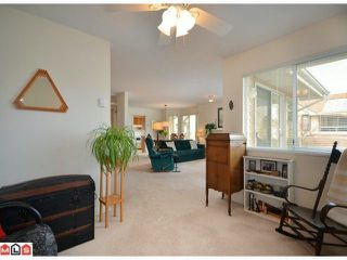 Photo 3: 40 9271 122ND Street in Surrey: Queen Mary Park Surrey Condo for sale : MLS®# F1223203