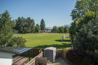 Photo 16: 19592 SOMERSET DRIVE in Pitt Meadows: Mid Meadows House for sale : MLS®# R2281493