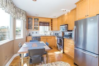Photo 2: 19592 SOMERSET DRIVE in Pitt Meadows: Mid Meadows House for sale : MLS®# R2281493