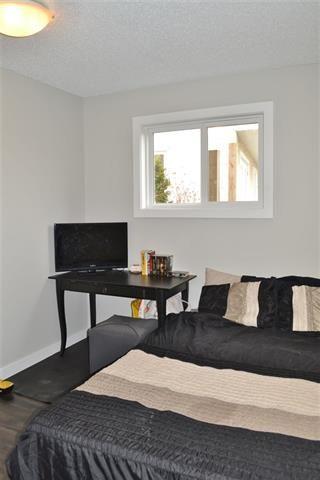 Photo 19: 220 DUNLUCE RD NW: Edmonton House for sale : MLS®# E4054042