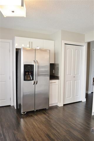 Photo 13: 220 DUNLUCE RD NW: Edmonton House for sale : MLS®# E4054042