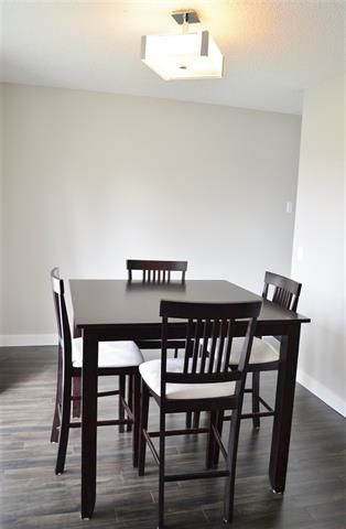 Photo 10: 220 DUNLUCE RD NW: Edmonton House for sale : MLS®# E4054042
