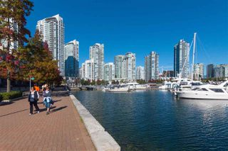 Photo 5: 606 1228 MARINASIDE CRESCENT in Vancouver: Yaletown Condo for sale (Vancouver West)  : MLS®# R2316104