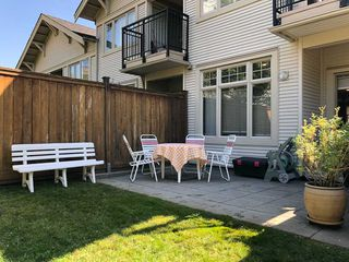 """Photo 8: 1 245 FRANCIS Way in New Westminster: Fraserview NW Townhouse for sale in """"Glenbrook At Victoria Hill"""" : MLS®# R2401158"""
