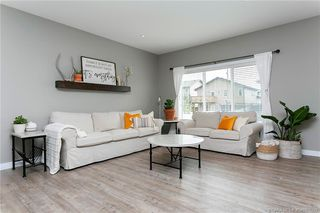 Photo 4: 35 Tory Close in Red Deer: Timber Ridge Residential for sale : MLS®# CA0178292