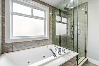 """Photo 12: 313 ELEVENTH Street in New Westminster: Uptown NW House for sale in """"Brow of the Hill"""" : MLS®# R2422557"""