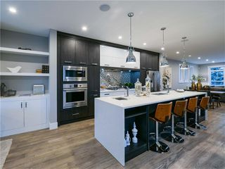 Photo 1: 1608 42 Street SW in Calgary: Rosscarrock Detached for sale : MLS®# C4280808