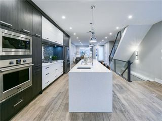 Photo 2: 1608 42 Street SW in Calgary: Rosscarrock Detached for sale : MLS®# C4280808